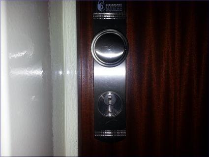serrurier bruxelles urgence d pannage serrurerie prix pas cher 24h 24. Black Bedroom Furniture Sets. Home Design Ideas
